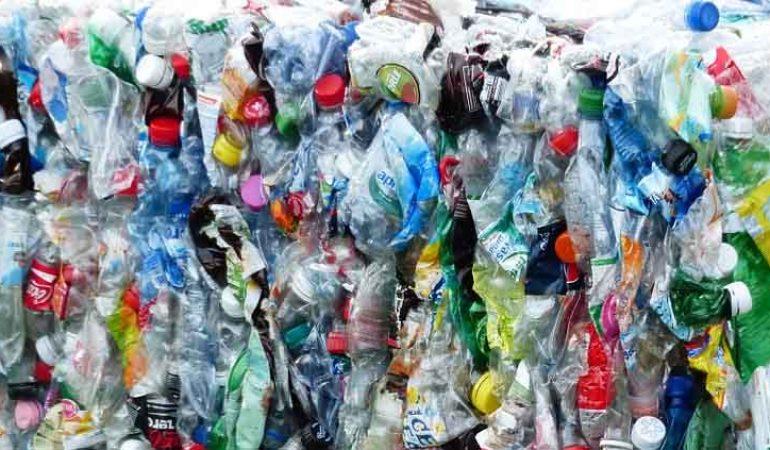 Científicos descubren la manera de convertir el plástico no reciclable en energía